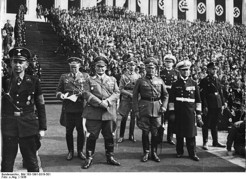 Bundesarchiv_Bild_183-1991-0319-501,_Nürnberg,_Reichsparteitag,_Tag_der_Wehrmacht.jpg