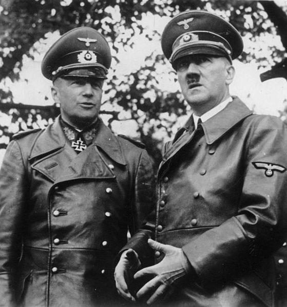 Bundesarchiv_Bild_183-2001-0706-501,_Warschau,_Walther_v._Brauchitsch,_Adolf_Hitler.jpg