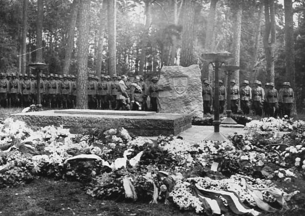 Carin Göring újratemetése Carinhallban 1934-ben