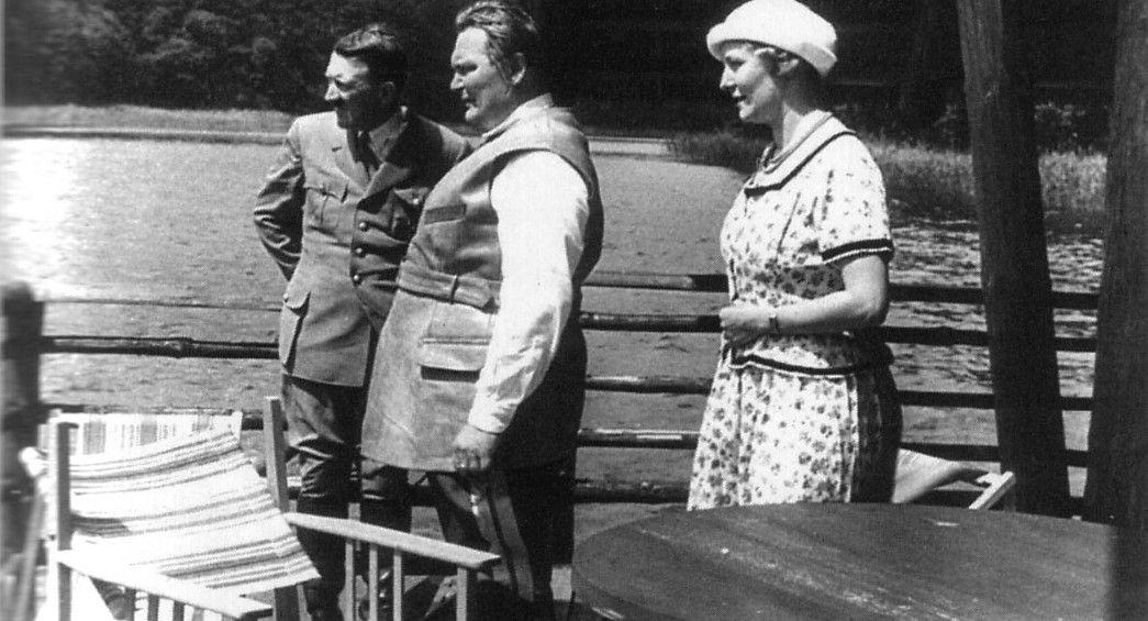 Adolf Hitler, Hermann és Emmy Göring a tóparton