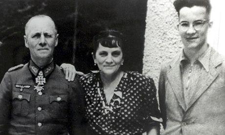 Erwin_Rommel_csalad_1944.jpg