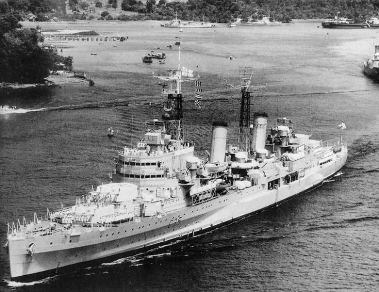 HMS_Belfast_1962_Szingapur.jpg