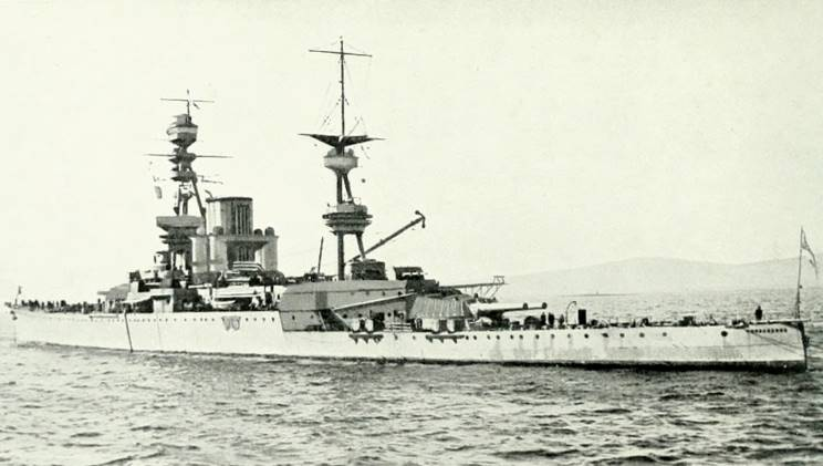 HMS_Courageous_001_1.jpg