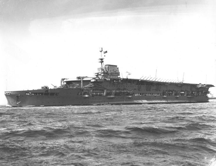 HMS_Courageous_1936.jpg