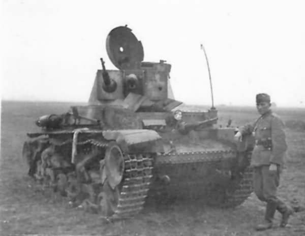 Kilőtt Panzer 35(t). A találat a torony bal oldalán érte. A fehér Balkankreuz kiváló célpontot jelentett az ellenség irányzóinak, ezért már a hadjárat során is inkább sárral kente be azokat a német páncélosok legénysége. Emiatt hivatalosan is megváltoztatták a későbbiekben és kapott a kereszt fekete kitöltést.