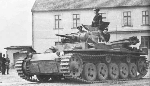 Panzerkampfwagen III Ausf. A egy lengyel városban