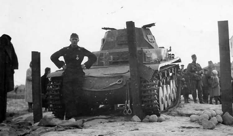 Tankakadályok által megállított Panzerkampfwagen II Ausf. C