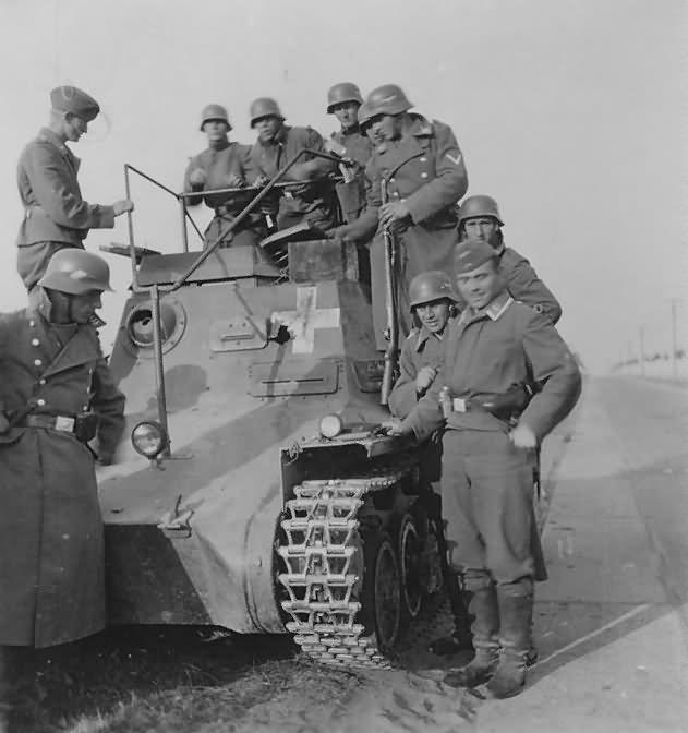 Kilőtt Kleine Panzerbefehlswagen I (Sd.Kfz.265) parancsnoki harckocsi