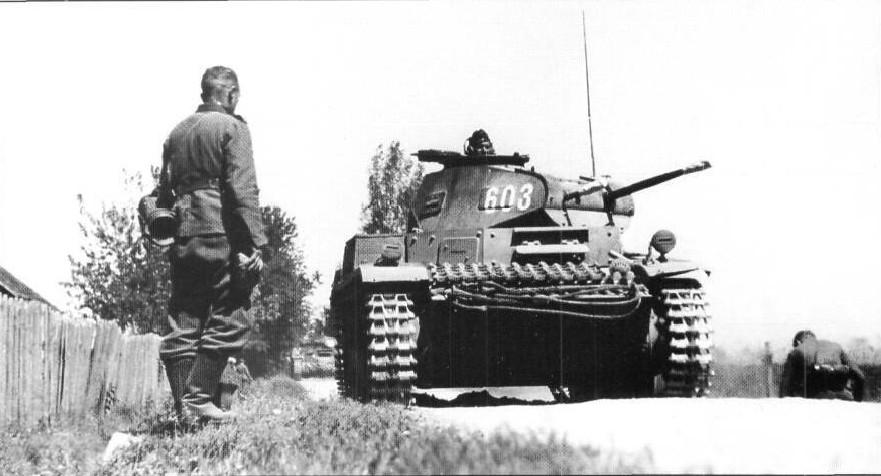 Panzerkampfwagen_II_Ausf_C_(Sd.Kfz._ 121).jpg