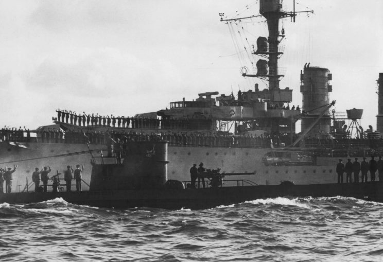 U-47_003_1939_10_14_Wilhelmshaven.jpg