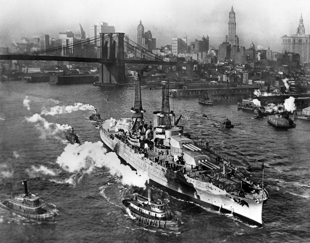 USS_Arizona_New_York_City_Crisco_1916.jpg