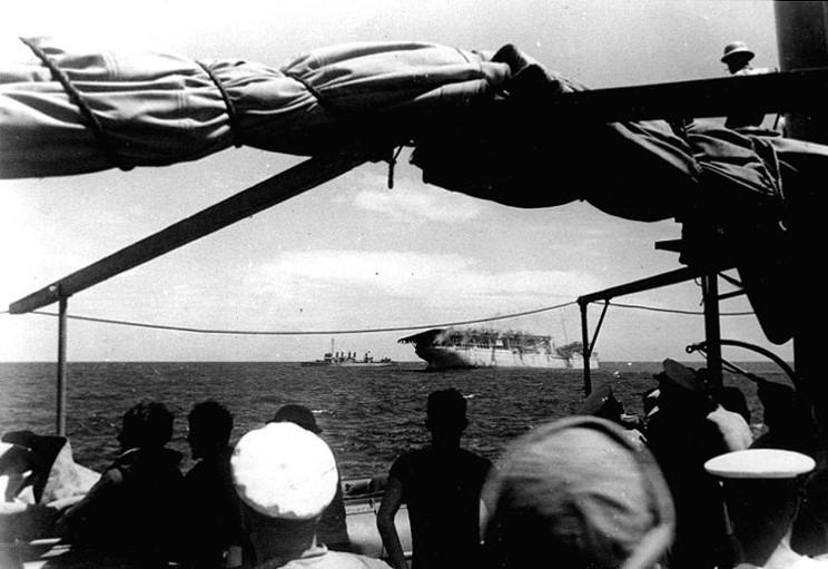 USS_Langley_1942_02_27_03.jpg
