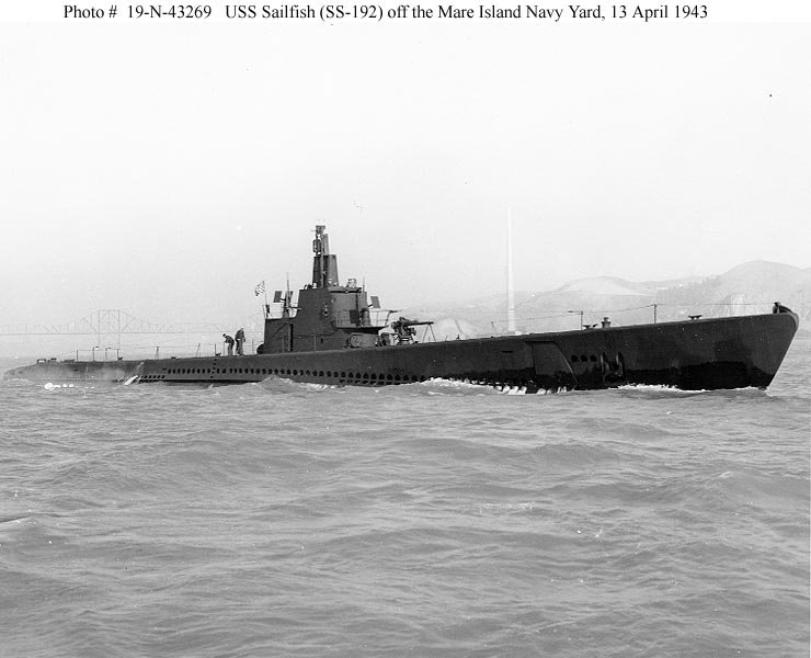 Az 1943-ban felújított USS Sailfish.