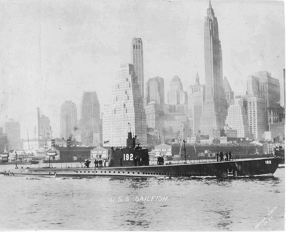USS_Sailfish_1941_januar_New_York_001.jpg