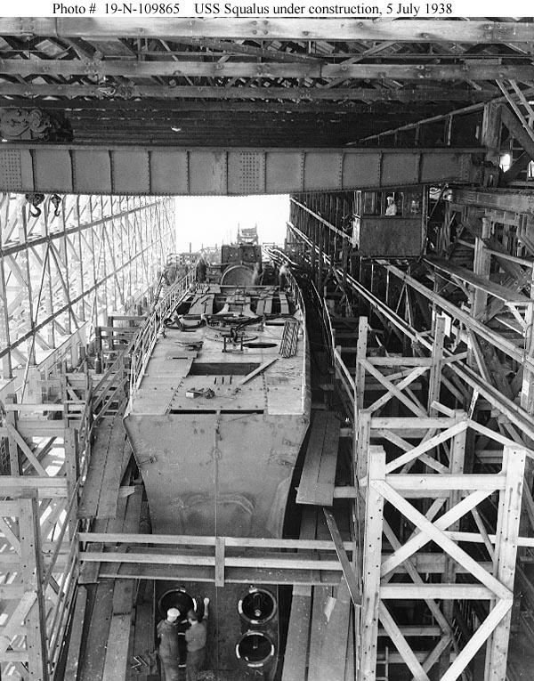 A USS Squalus az építés során.