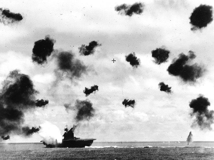 USS_Yorktown_1942_06_04.jpg