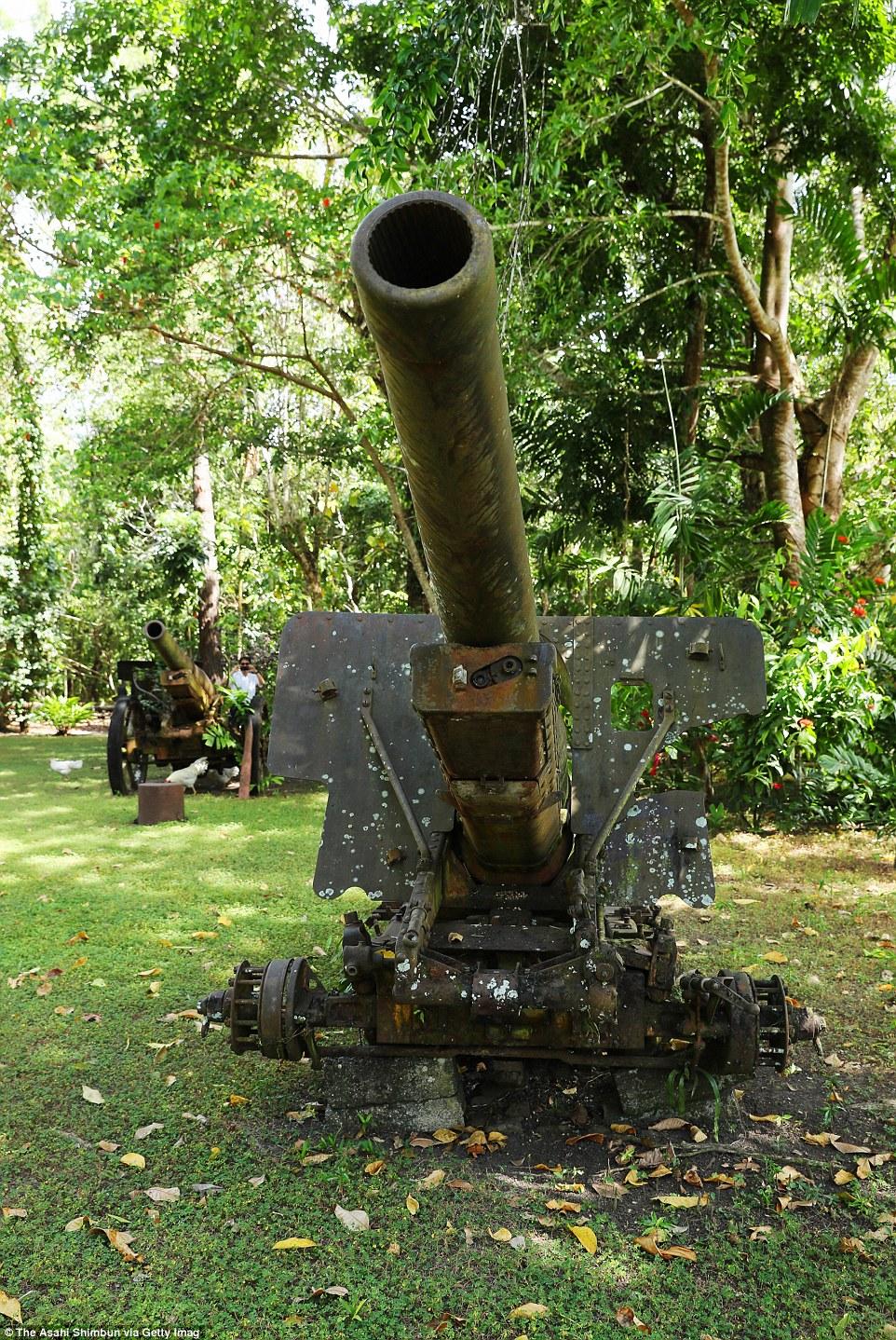Japán 15 cm-es Type 96 tarack a salamon-szigeteki Guadalcanal szigetén.