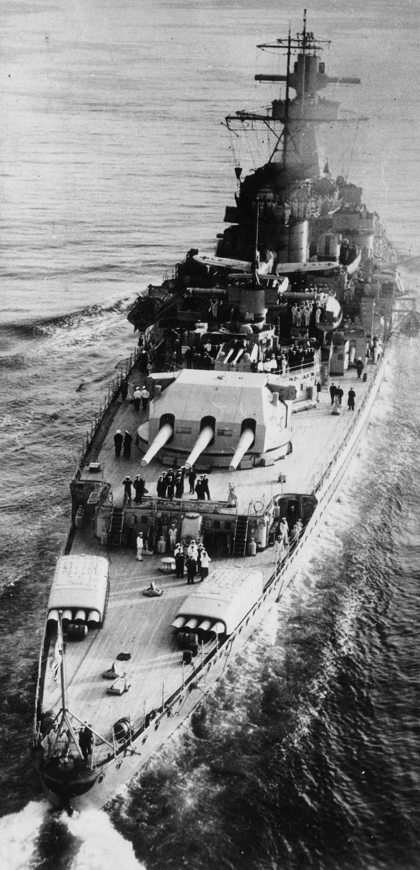 admiral_graf_spee_1939_04.jpg
