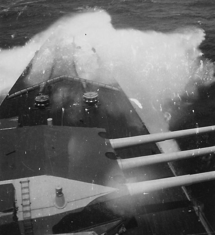 admiral_graf_spee_1939_12_13.jpg