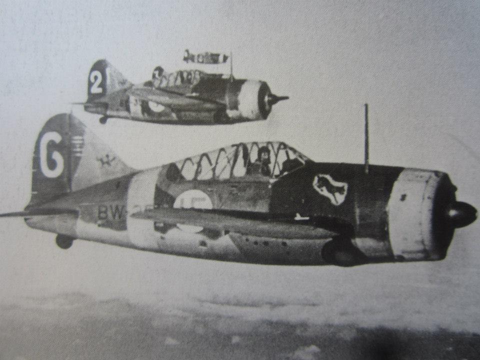 Finn Brewster Model 239 vadászgépek kötlékben