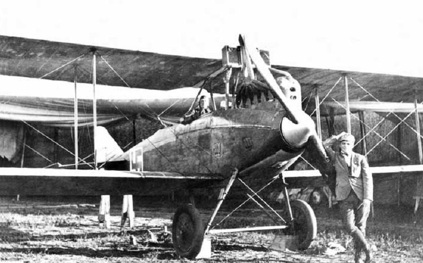 Német gyártmányú D.F.W. C.V kétüléses repülőgép amiből 2 db-ot vásárolt Finnország 1919-ben.