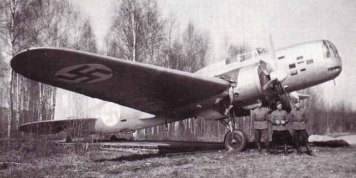 A téli háborúban zsákmányolt Iljusin DB-3 közepes bombázó már finn felségjelzéssel.