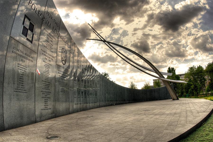 warsaw memorial.jpg