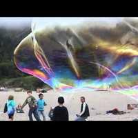 Óriási buborékok