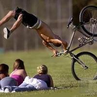 Biciklis esés