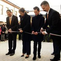 Klebelsberg Kuno nyomdokain: Tíz felújított intézményt avatott Bicskén az államtitkár!