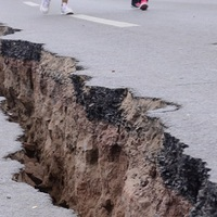 Esti földrengés Bicskétől 52 km-re, Bábolnán!