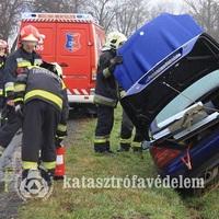 Sportkocsi balesete Csákvár közelében!