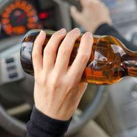 Járművezetéstől való eltiltás hatálya alatt is ittasan vezető sofőrt állítottak elő a bicskei rendőrök!