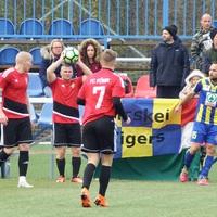 Nem született gól a kőkemény és küzdelmes rangadón: Főnix-Bicskei TC 0-0