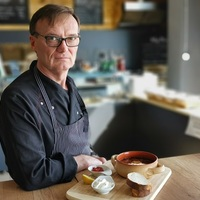 Mesterszakács főztjéből rendelhetsz napi menüt - megnyitott a Csodaszarvas Étterem a bicskei TESCO áruházban!
