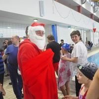 Adventi úszóverseny, ahol senki nem maradt elismerés nélkül!