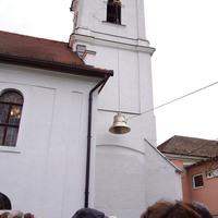 A bicskei református templom harangja csendült fel hétfőn a Kossuth Rádióban!
