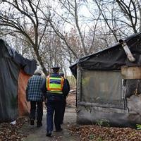 Rendőrök a hajléktalanok védelmében!