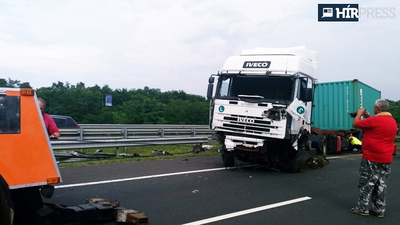 kamionszalagkorlat.jpg