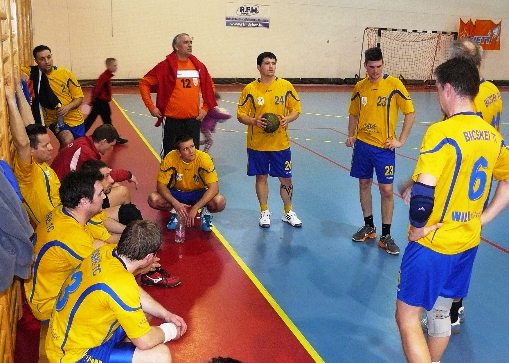 Bicske-Sárbogárd 24-21 férfi kézilabda.JPG