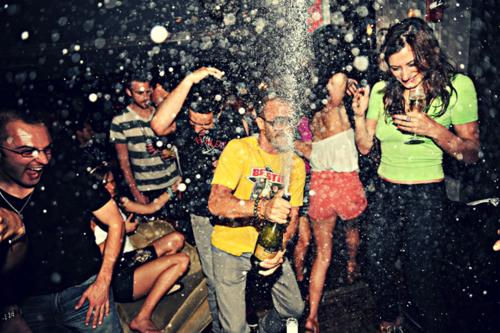crazy-party_partyopia.png