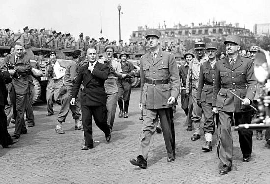 degaulle1944-paris.jpg