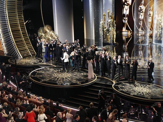 Szubjektív Oscar a tévé előtt - speciális tévétükör