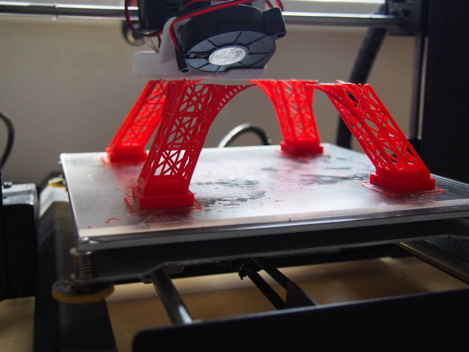 Piros PLA-val nyomtattam (nem a legjobban fotózható szín) e2e394d9cd