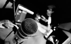Miért kezd egyre több rádiós podcast karrierbe?
