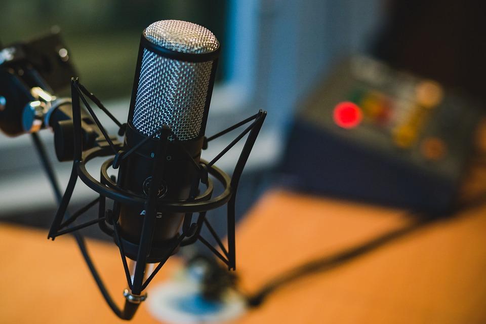 Négy új podcastet indított az iHeartRadio