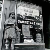Berenice Abbott: New York üzletei az 1930-as években.