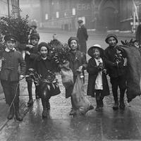 London karácsonykor egy évszázad távlatából.