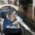 Két hónappal a rekord áradások után kiszáradtak a csatornák Velencében.