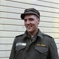 Elvis Presley katonai szolgálata ideje alatt.